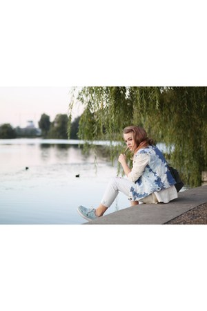 light blue creepers TUK shoes - light blue boyfriend Monki jeans