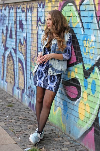 blue bodycon H&M dress - sky blue bleached DIY vest