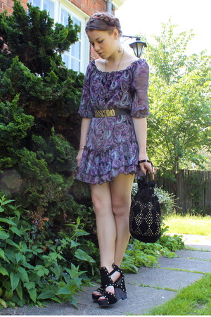 amethyst flowy H&M dress - black suede Topshop bag - black gold Moschino belt -