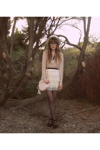 pink Forever New blouse - white Princess Highway skirt - black Sportsgirl shoes