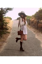 thrifted dress - Sportsgirl hat - Sportsgirl clogs - thrifted bag