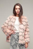 No-brand-coat