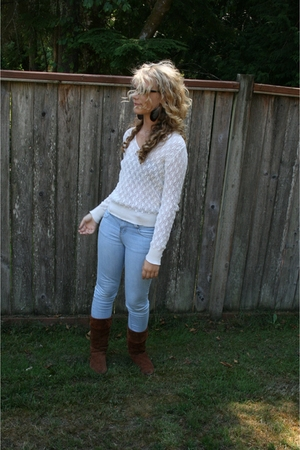 vintage sweater - Silence  Noise jeans - vintage boots - forever 21 earrings