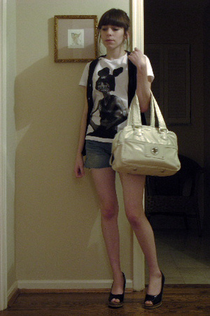 Blacktooth t-shirt - American Apparel vest - Levis shorts - Marc by Marc Jacobs