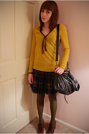 yellow v-neck JCrew sweater - brown lace-up oxford Jeffrey Campbell shoes