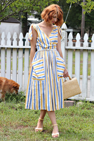 blue vintage dress - mustard straw box bag vintage bag
