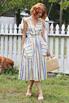 blue vintage dress - mustard straw box bag vintage bag