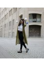Black-gina-tricot-jeans-olive-green-gina-tricot-jacket