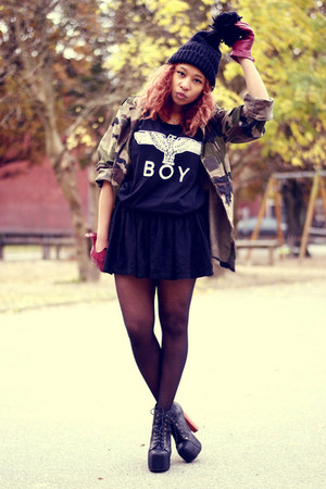 black jeffrey cambell shoes - army green vintage jacket