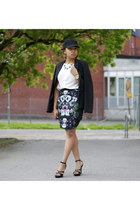 black Stradivarious blazer - navy H&M skirt