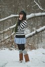 Black-target-shirt-blue-bb-dakota-dress-gray-stockings-black-hat-brown-b