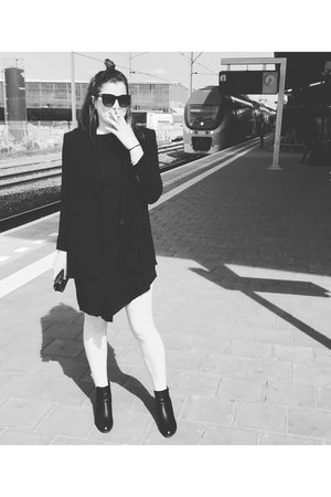 black diagonal bottom dress - black blazer