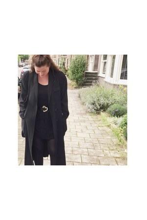 black vintage coat - black belt