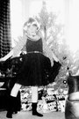 Black-net-skirt-h-m-dress-magenta-vintage-shirt