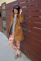 ruby red floral Paige Denim jeans - brown trench madewell coat