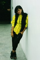 yellow top - black vest - black pants - black wedges - silver anagon necklace