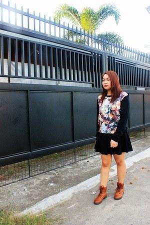 black DressLink skirt