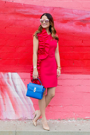 hot pink ruffle MSGM dress - beige pumps Manolo Blahnik shoes