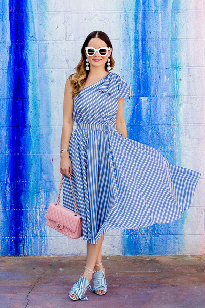 sky blue midi milly dress - pink quilted Chanel bag