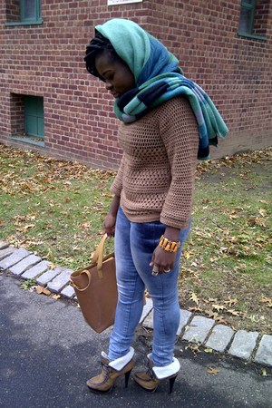 Arden B jeans - H&M scarf
