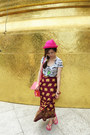 Pink-hat-pink-tods-bag-elephants-skirt-rolling-stones-necklace