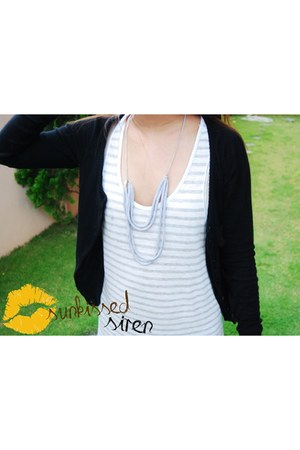 gray La Maison De V dress - black Zara cardigan - Fabricate necklace