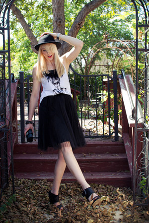 black ballerina White House Black Market skirt