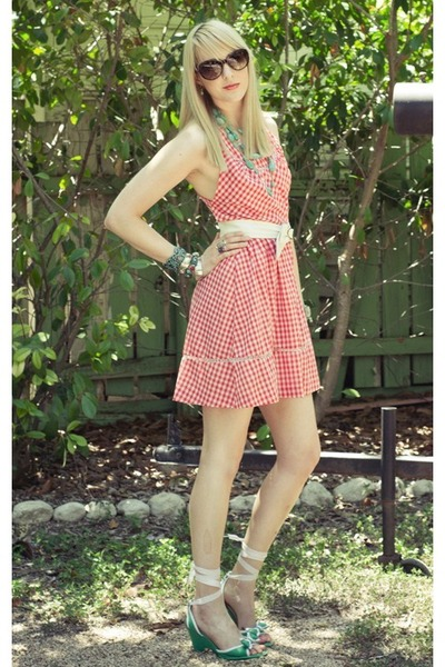 red gingham vintage from Ebay dress - turquoise blue Forever21 necklace