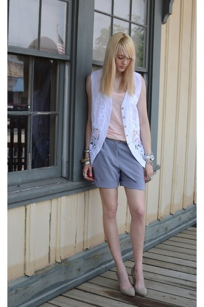 silver slouchy DIY shorts - white lace vintage vest - peach tank unknown t-shirt