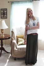 army green maxi skirt Max Studio skirt - white v-neck Hanes t-shirt