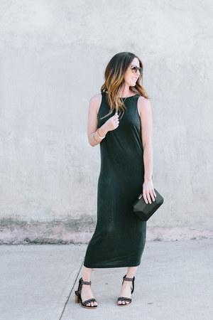 black clutch black Olga Berg bag - gold Melinda Maria bracelet