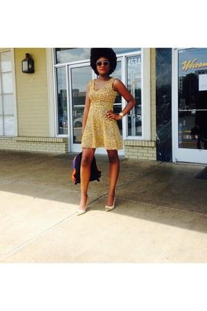 gold H&M dress - beige Forever 21 heels