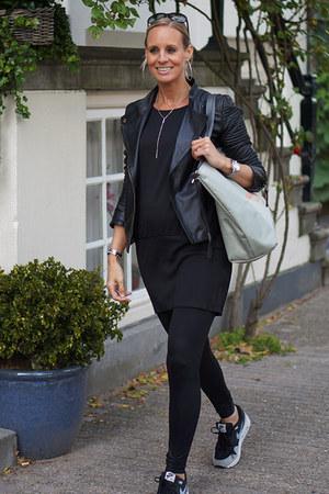 Pepe Jeans jacket - Pepe Jeans bag - nike sneakers - black modström blouse