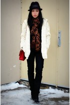 red 255 jumbo Chanel bag - black Hudson jeans - white Club Monaco cardigan