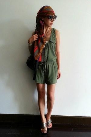 maroon ethnic print Zara scarf - black pandora Givenchy purse