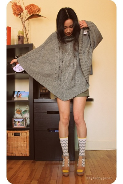 olive green DIY shorts - heather gray H&M cape - nude platforms Modern Vintage s