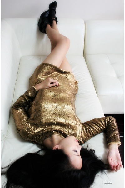 gold sequin backless Winter Kate dress