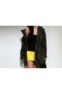 Parka-d-g-coat-255-jumbo-chanel-bag-running-gap-shorts