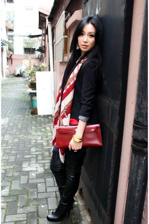 black tailcoat Zara jacket - ruby red kelly clutch Hermes bag