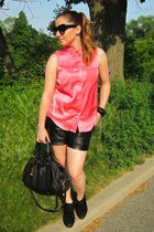 salmon H&M blouse - black Tart shorts