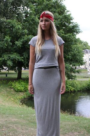 heather gray Zara skirt - heather gray H&M t-shirt