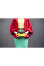 Red-poncho-stradivarius-jacket-yellow-vintage-annuci-bag