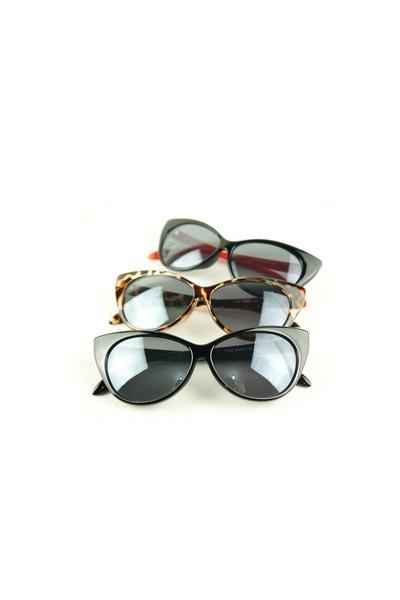 Style Icons Closet sunglasses