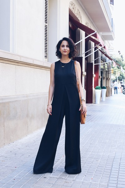 brown Aïta bag - black jumpsuit Mango jumper