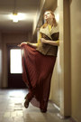Akira-skirt-zara-boots-banana-republic-blouse-bershka-vest