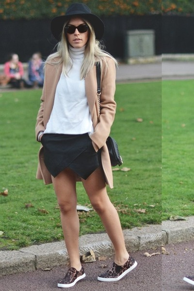 camel Choies coat - fedora hat Choies hat - leather skort romwe skirt