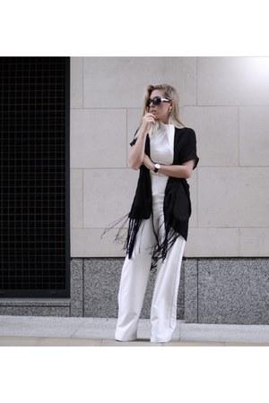 white jumpsuit Lavice Alice bodysuit - kimono style moi cardigan