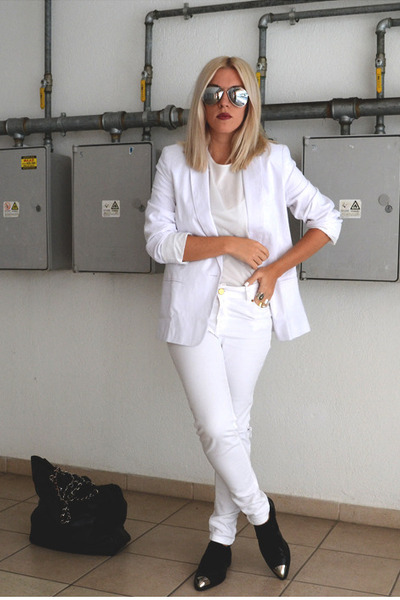 white asos blazer - silver mirror asos sunglasses - white ripped Zara pants