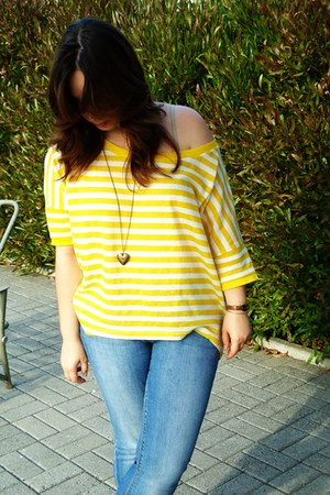 yellow pull&bear t-shirt - blue Zara jeans
