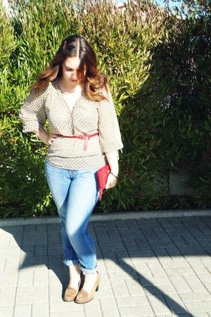 beige vintage Zara blouse - blue Zara jeans - red vintage Mango belt